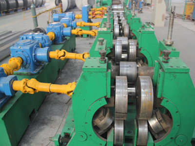 Bridge crane roller machine
