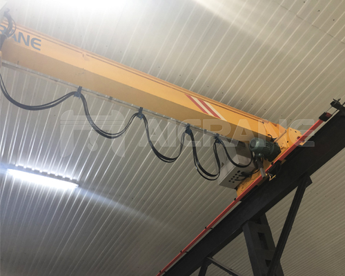 Overhead Crane With Chain Hoist